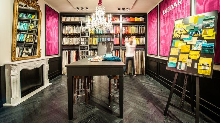 Op Co Luxury vindt u totaaloplossingen voor uw interieur met gebruik van luxe materialen zoals bladzilver, mohair, palissander, koper, brons, messing, onyx, zijde en schellak.