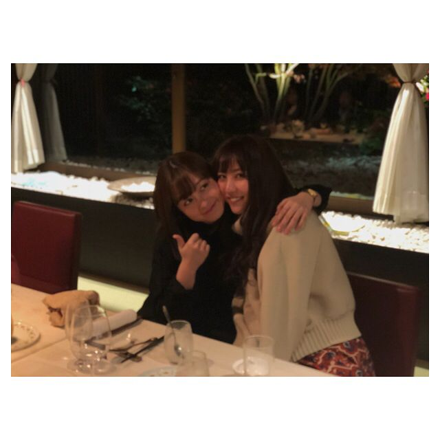 いいね!13.8千件、コメント55件 ― Ren Ishikawa 石川恋さん(@ren_ishikawa)のInstagramアカウント: 「かんな🐰💓💜6個も離れているとは思えない。妹のようでお姉ちゃんみたいな不思議なお友達😎免許証の写真も奇跡の一枚だったよ。本当にびっくりした。天使。#橋本環奈 さん #警視庁いきもの係 #大好き」