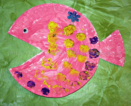 How to make the Paper Plate Fish Craft: All you need to do is cut a triangle shape from a paper plate – this creates a mouth and . . . . .