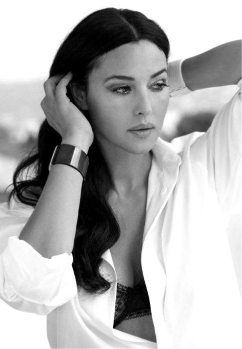Monica Bellucci(Monica Anna Maria Bellucci, Sep30,1964) ~Italian Actress&FashionModel. Began her career as a model and made a transition to Italian films.