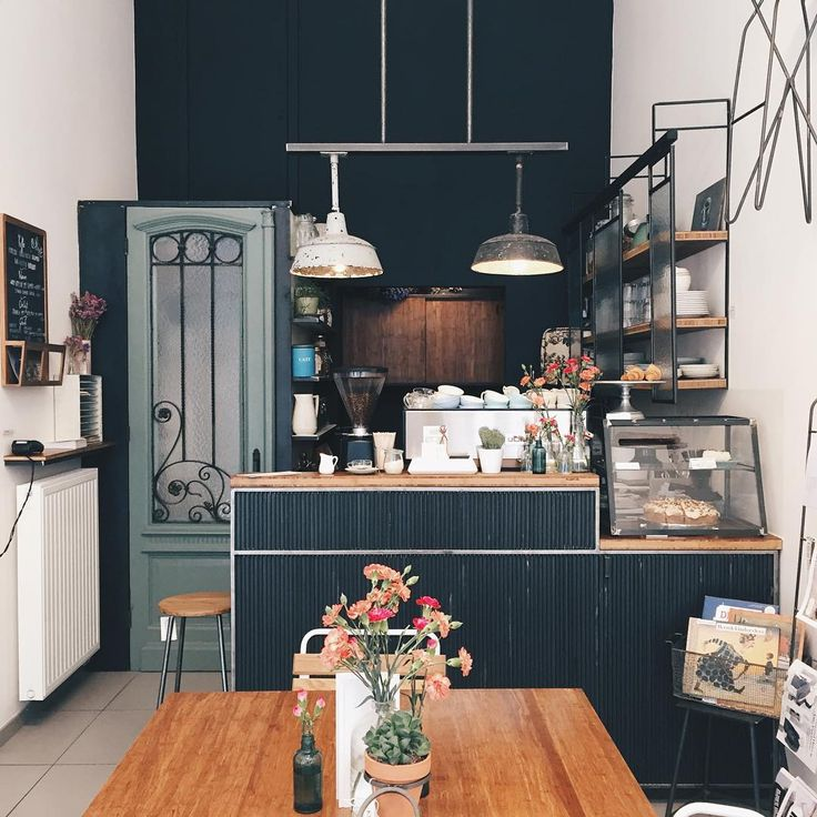 Highlights of the week: 24 Hours in Brussels & Leuven. This is Koffie & Staal in Leuven. More on petitepassport.com #koffieenstaal #theleuvenguide #coffee