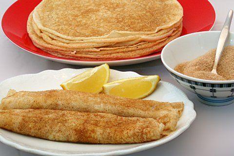 Pannekoek (pancake) | Rainbow Cooking