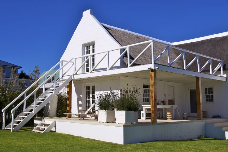 Self catering accommodation, Scarborough, Cape Town  Zenza Tandaza garden view   http://www.capepointroute.co.za/moreinfoAccommodation.php?aID=189