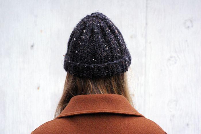 #toque #canadianbeanie #beanie #speckled #hat #winterscoming #bundleup #vintagecoat #ootd