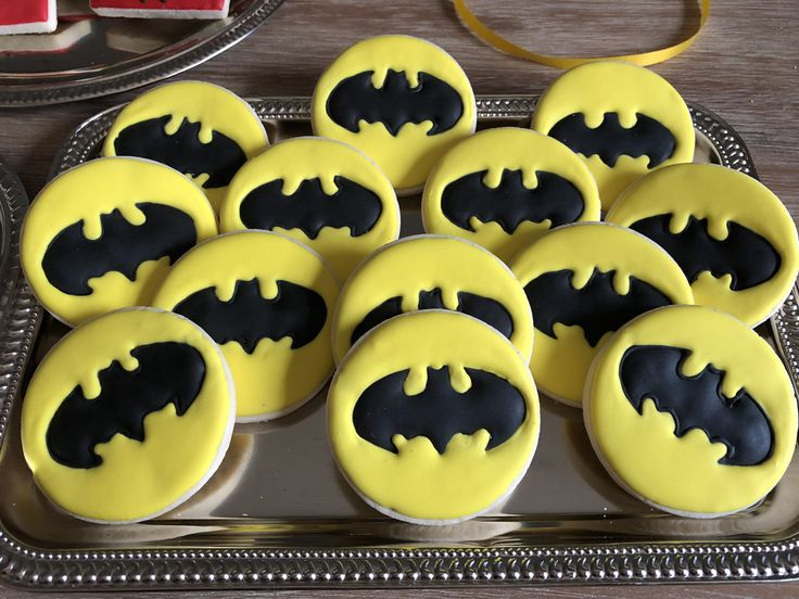 Best 25+ Batman cookies ideas on Pinterest | Lego batman ...