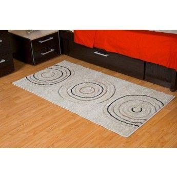 Culoarea nisipului care este folosita pentru baza integreaza covorul intre elemente cu tenta eleganta, asigurand, in acelasi timp si o intretinere usoara. Dimensiunea mare este potrivita pentru living amenajat modern si sofisticat, iar cea mica mica pentru dormitor se potriveste cu nuante usor cenusii de mobilier.