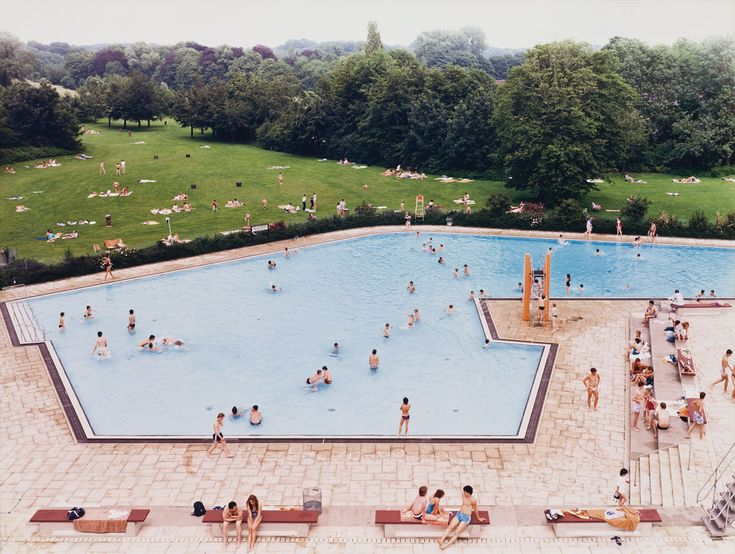 Andreas Gursky  Ratingen Schwimmbad (Ratingen Swimming Pool), 1987  Color photograph