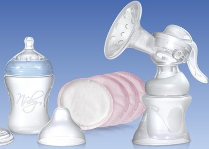 Nûby ™ sa che a volte l'estrazione del latte puo' risultare difficile, problematica e anche dolorosa.    Ecco perche' abbiamo proposto il sistema di estrazione piu' tradizionale e collaudato, ma lo abbiamo reso piu' pratico e confortevole da utilizzare.    Il tiralatte Comfort combina le nuove tecnologie al collaudato sistema di estrazione per garantire alla mamma efficienza e confort, senza comunque trascurare il lato estetico.