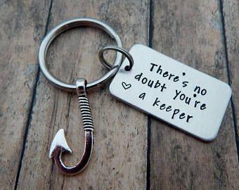 No cabe duda que eres un guardián - mano estampada pesca llavero - regalo del pescador - día de San Valentín presente - eres un guardián - pez llavero