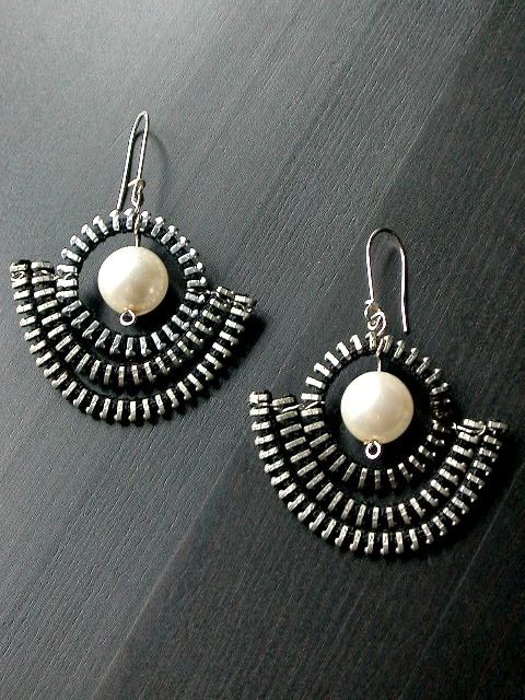 The Pearl Anchor Zipper Earrings