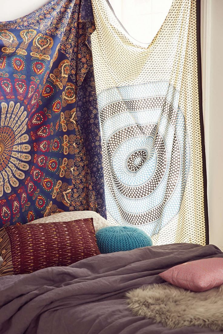 Magical Thinking Rani Pebble Medallion Tapestry - Urban Outfitters