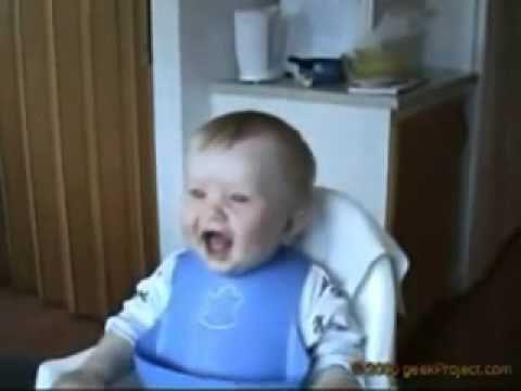 2 bambini che ridono (super divertente)