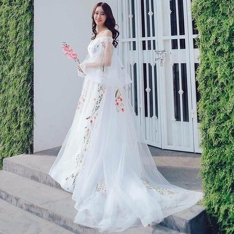 Echt Bilder Strand Hochzeitskleid 2018 Spaghettibügel Bunte Stickerei Spitze Boho Brautkleider Schwangere Fotografie Kleid – SALON BRIDAL