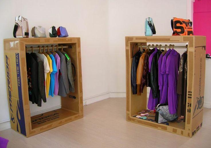 penderies et cintres agencement carton pinterest photos boutiques and album. Black Bedroom Furniture Sets. Home Design Ideas