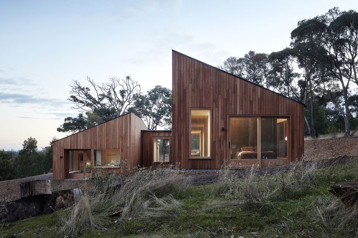 Gallery of Two Halves / Moloney Architects - 1