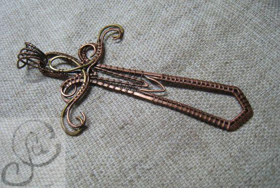 zwaard hanger, wire wrapped hanger, wapen sieraden, zwaard-sieraden, handgemaakte sieraden
