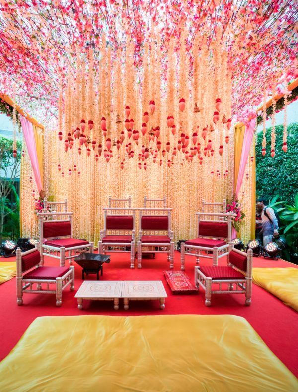 Multi-Cultural Mumbai Wedding With A Beautiful Engagement Outfit   WedMeGood