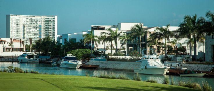 Puerto Cancún, propiedades de lujo en venta, frente al mar, golf o canal de navegación Inf. Elisa Ramos Tel (998)1685141 eramos60@gmail.com   #ventas #luxury #mar #homes #departamentos #terrenos #inmuebles #casas #golf #privacidad