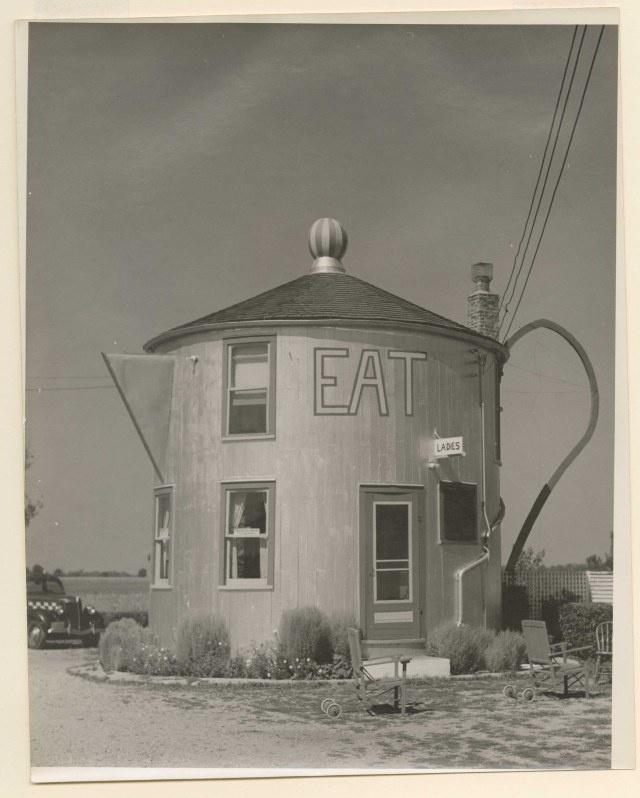 Frank Navara, [Coffee Pot Restaurant, Bremen, Indiana], 1939