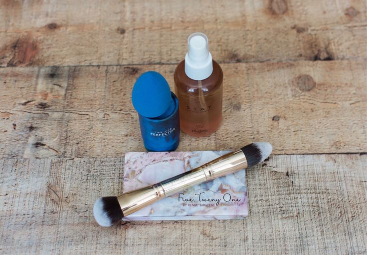 This is the basic package I recommend to all my new customers! 4 IIID Foundation singles, free marble compact, 30 Second HAC Brush, blue perfector sponge, and Stay setting spray at the special price of $125!
