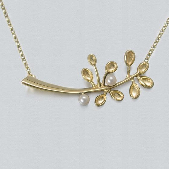 Ola Gorie Cloudberry necklace