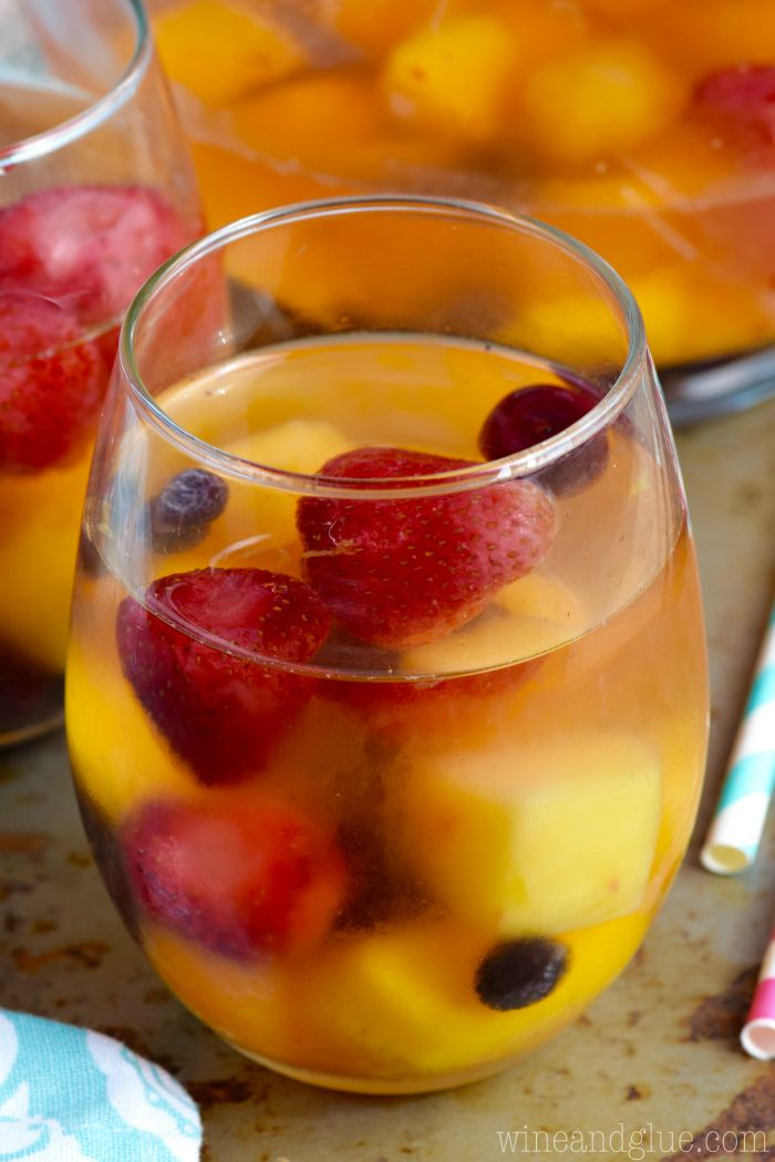 Frozen fruit sangria recipe sangria white wines and for Cocktail recipes with white wine