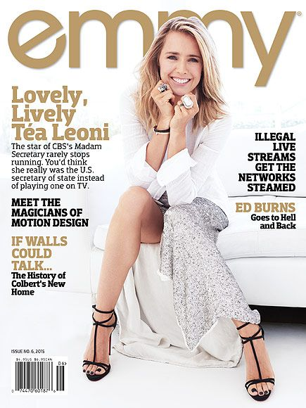 Téa Leoni wearing essential #ThreeDots on the cover of Emmy Magazine!