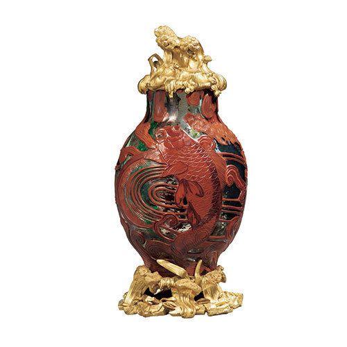 《象の頭の飾付花器》 1883-1885年頃デザインおよび制作:不詳 販売:パニエ兄弟商会エスカリエ・ド・クリスタル、パリデュッセルドルフ美術館蔵 | 「アール・ヌーヴォーのガラス」展が、パナソニック 汐留ミュージアムで開催される。期間は、2015年7月4日(土)から9月6日(日)まで。 左) 《花器(ブドウと... 写真2/9