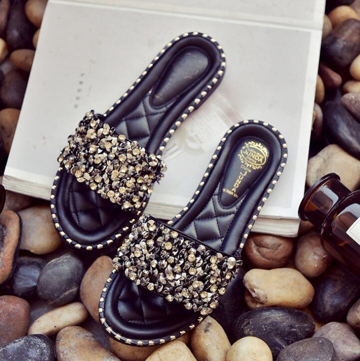 Women Casual Summer Flat Beach Slippers Female Crystal Rivets Slides Slipper Shoes For Girls Fashion Woman Leisure Footwear
