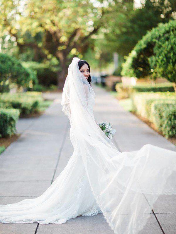 Long Wedding Veil Idea Bride In Floor Length Destination Studio Veils 2018 Pinterest And