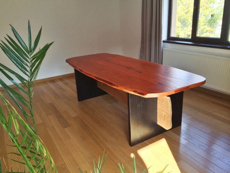 Masa din lemn de stejar \ Oak wooden table