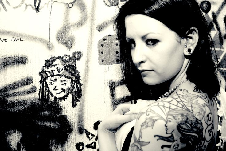 Fleurine in the #Graffiti, #BodyArt and #Beauty #PhotoShoot i did in my lounge