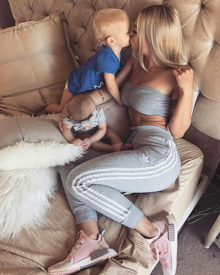 Hey I'm lillith. You can call me lilli though. I'm 22 and a single mom of two. I'm looking for someone to care for me and my babies. I'm a model. Intro?