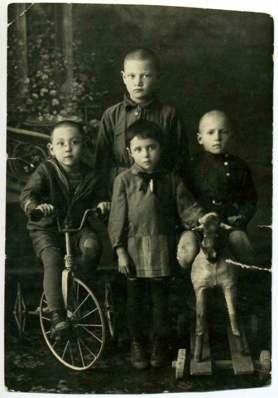 koroleni - 10 фото с лошадьми.