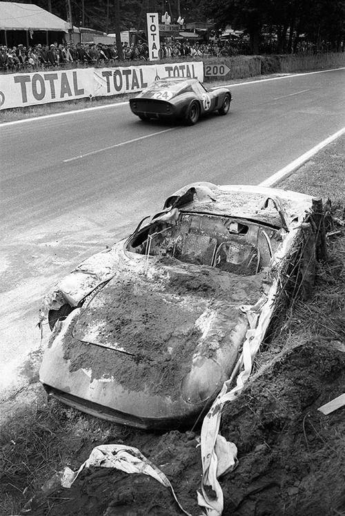 "(24) ""Jean Beurlys"" / Gérald Langlois van Ophem - Ferrari 250 GTO - Équipe Nationale Belge - (23) John Surtees / Willy Mairesse - Ferrari 250 P - Automobili Ferrari S.E.F.A.C. - XXXI Grand Prix d'Endurance les 24 Heures du Mans - 1963 World Sportscar Championship, round 10 - Challenge Mondial, round 4"