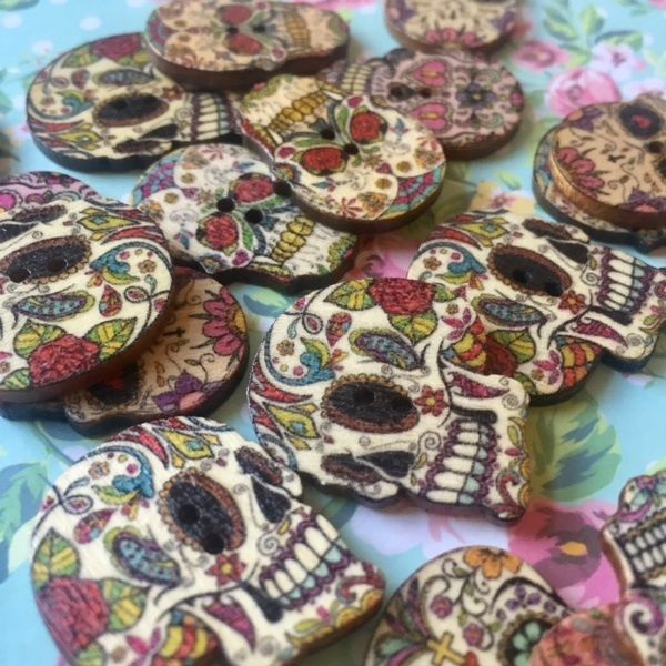 10 x skull head wood craft buttons | Conscious Crafties