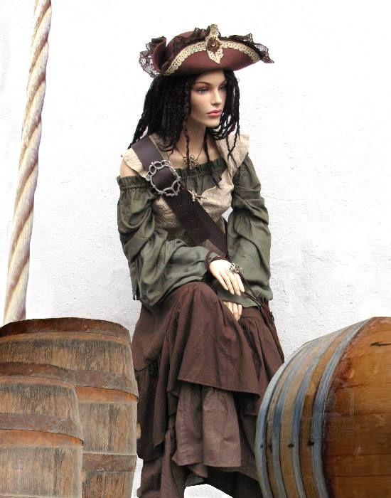 Piratin Korsarin Gewandung
