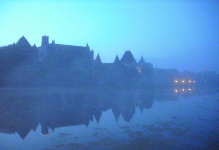 zamek - 5 rano
