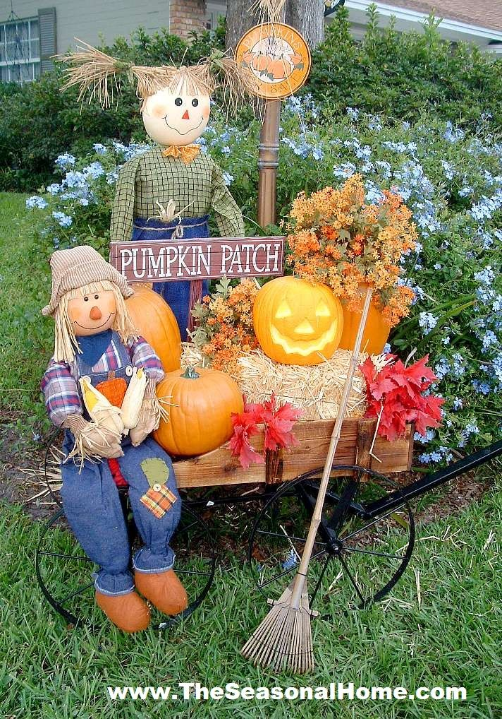 Fall Halloween Front Yard Instructions On The Seasonal Home Blog Yard Decorationshalloween