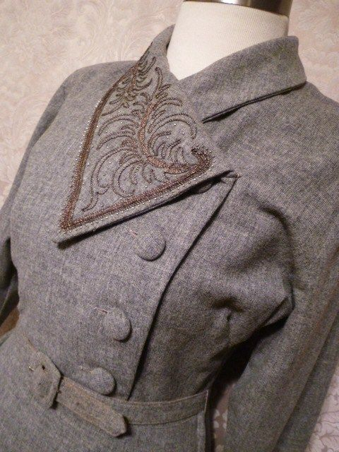 """1940s vintage dress grey wool embroidered collar off center buttons jpg (7)"""