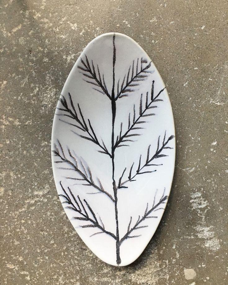 Sarita Ceramics: Leaf dish