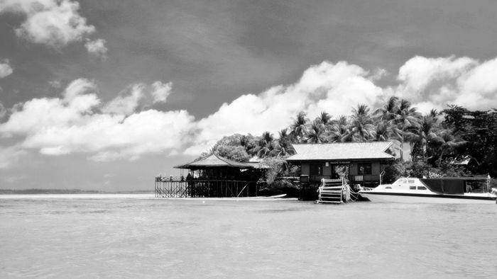 pulau derawan - tempat wisata indonesia yang berkelas