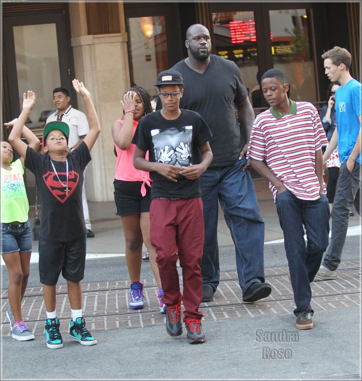 Shaq Daddy and the family. Tall kids. | Haute men ...