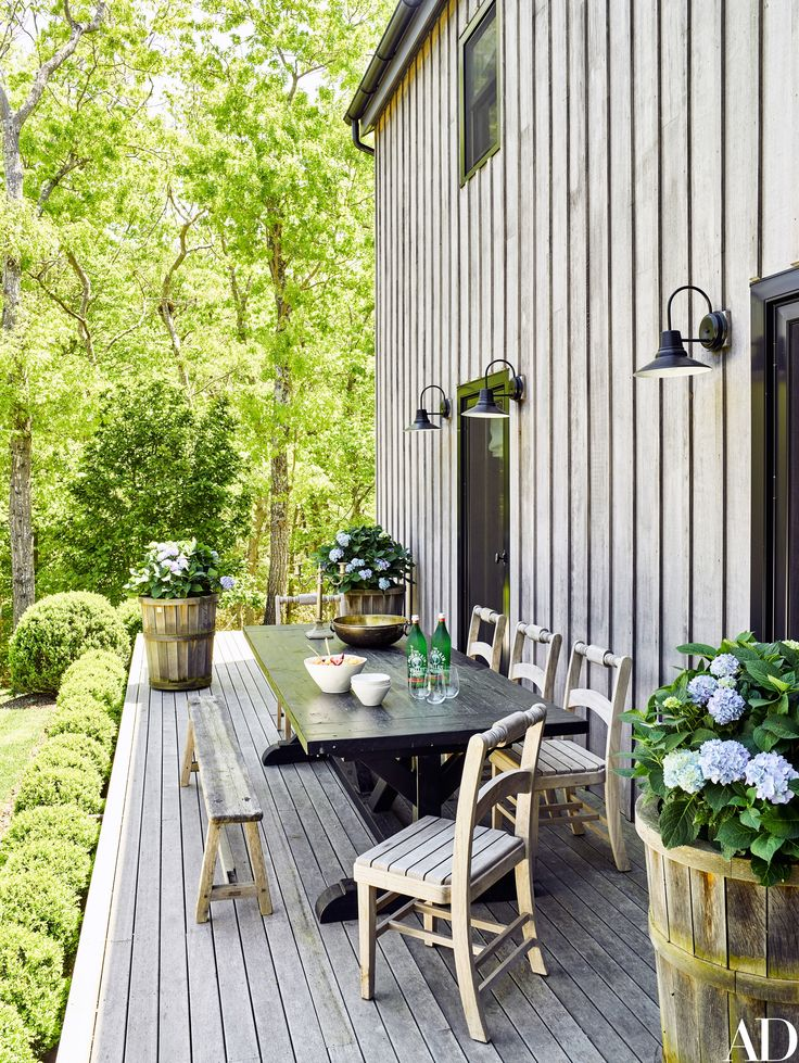 Ellen Pompeo's Sag Harbor Home Is a Modern Take on a Classic Barn Photos | Architectural Digest