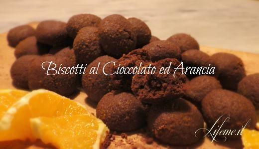 BISCOTTI SECCHI AL CIOCCOLATO FACILI, VELOCI SENZA BURRO E LATTE #biscotti #cioccolato #dolci #facile
