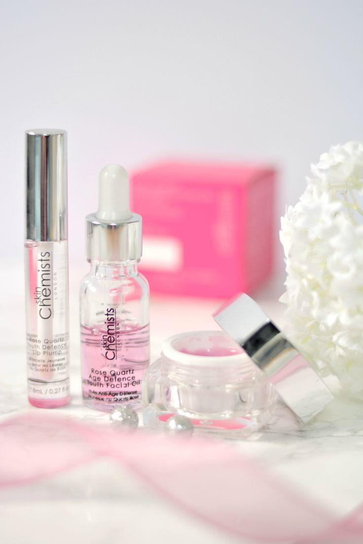 The monthly theme over at Skin Chemists in June is 'Rose Quartz' and today I'm showing you three of their products! 🌹  💕 http://www.liliesbeauty.com/2017/06/skin-chemists-rose-quartz-month.html 💕