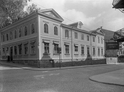 Apoteket, Arvika. Husexteriör Torggatan-Kyrkogatan. 8 som det såg ut fram till omkring 1960