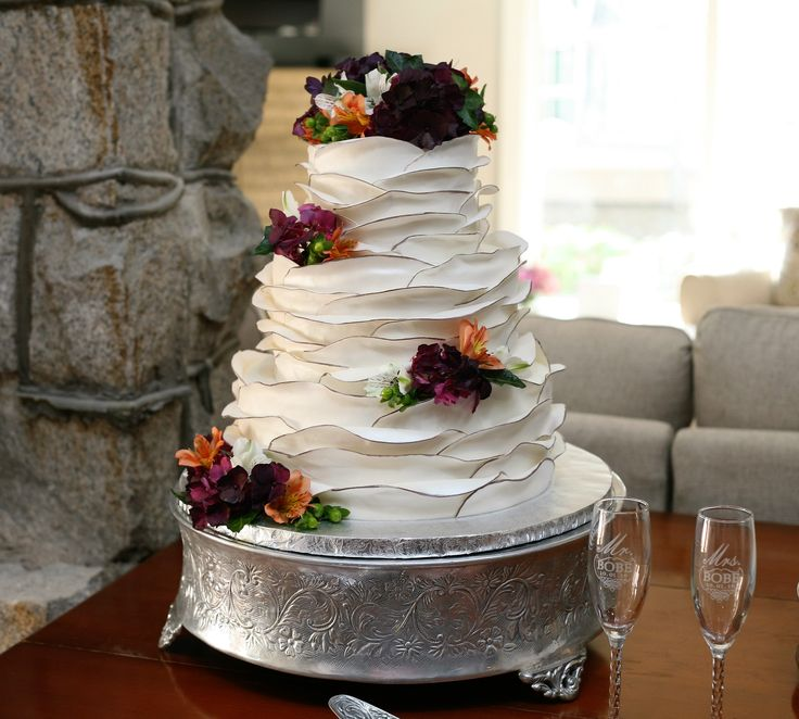 17 Best Images About Red Pink Purple Wedding Cakes On