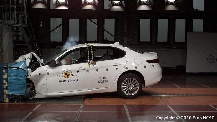 Włoski samochód jest bezpieczniejszy od Niemieckich https://www.moj-samochod.pl/Testy-samochodow/Wyniki-trzech-nowych-testow-EuroNCAP #AlfaRomeo #EuroNCAP #Volkswagen #Seat
