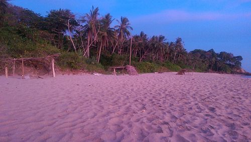 One of my favorite quiet beaches on #KohLanta #Thailand. Have lived there for many months.